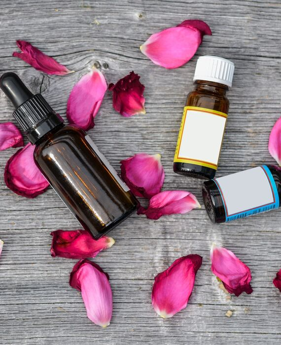 essential-oils-2536471_1920